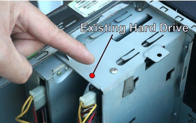 remplacer un disque dur étape 2