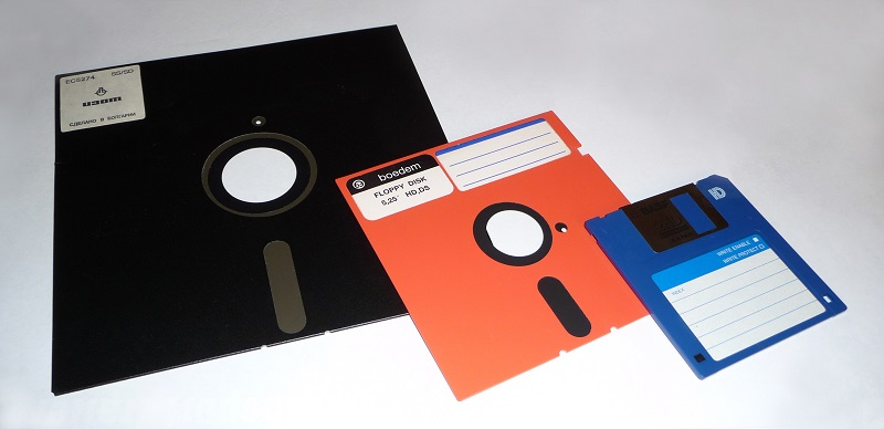 different sizes of floppy disks